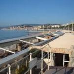 La Croisette à Cannes dimanche 9 août 2015, 19h30 :  Hay Night
